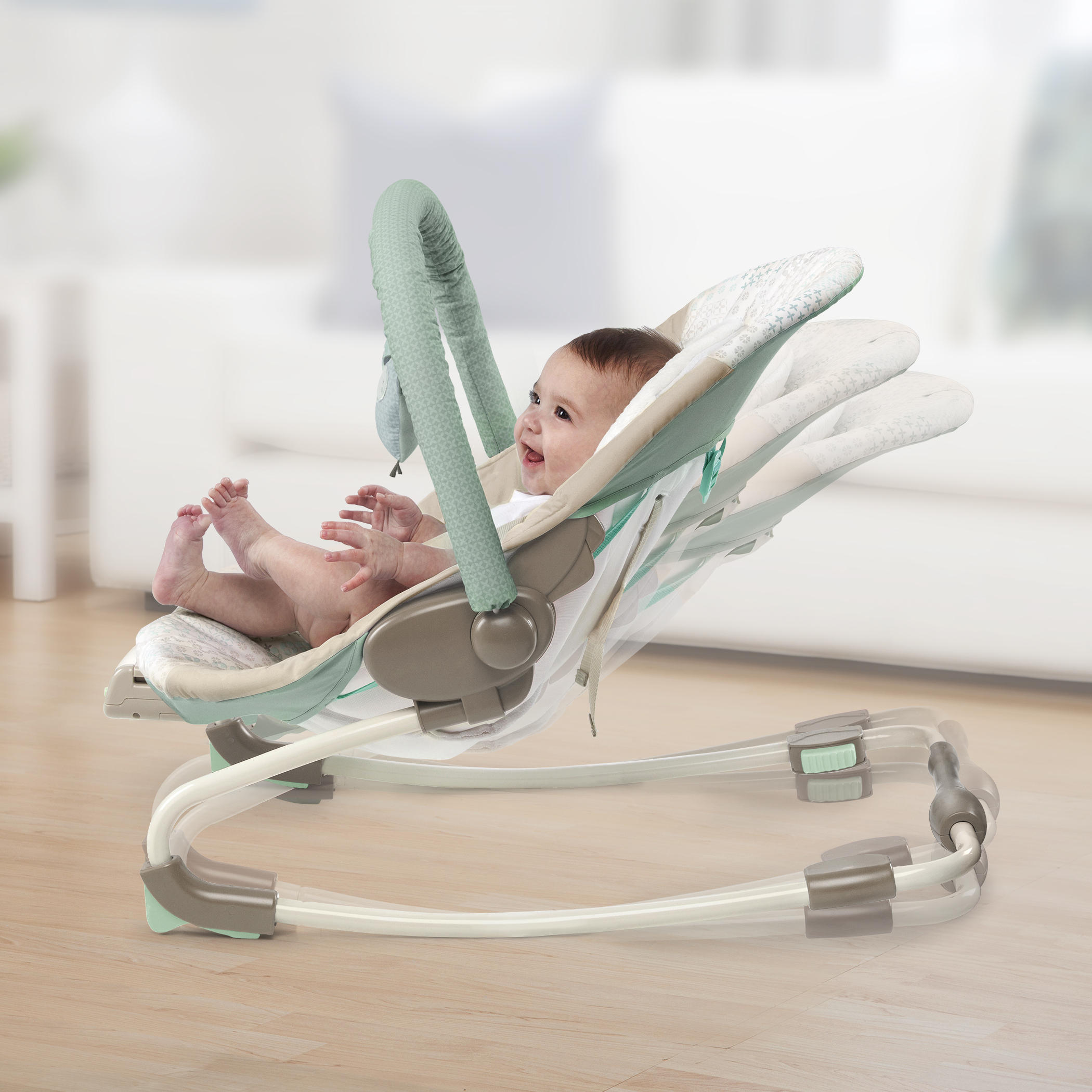 InJoy Infant Rocking Seat