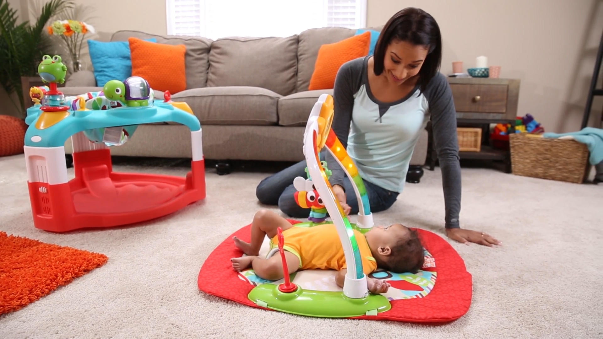 2-in-1 Silly Sunburst Activity Gym & Saucer™